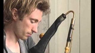 Rolling wave, jig / Caoimhín Ó Raghallaigh, uilleann pipes