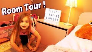 ROOM TOUR DE LA CHAMBRE D'ELLIE - Ellie présente sa chambre en personne !