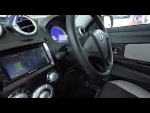 Review of Mahindra Reva E2O Electric Car and Hero Pleasure | Green Signal