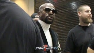 FLOYD MAYWEATHER WATCHES MANNY PACQUIAO BE AWARDED THE WINNER AGAINST THURMAN