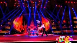 Quick change and danse act from China Comedy Festival on CCTV - Magie_90 Thumbnail