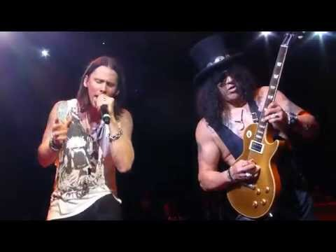 "Slash ""Sweet Child O' Mine"" Minneapolis,Mn 10/7/15 HD"