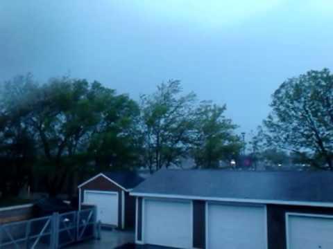 Thunderstorm tornado warning in Des Moines Iowa