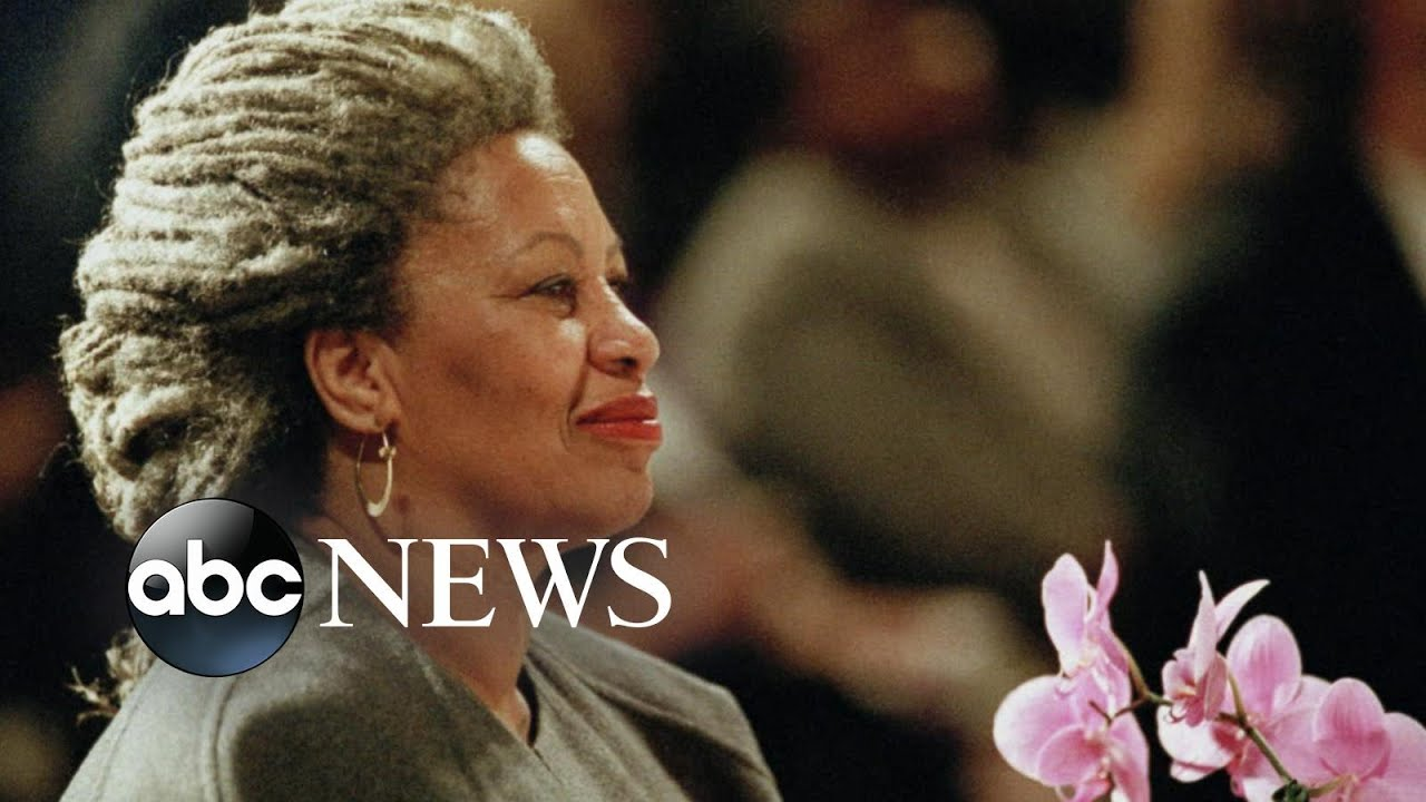 Fans mourn the death of Nobel Prize-winning author Toni Morrison
