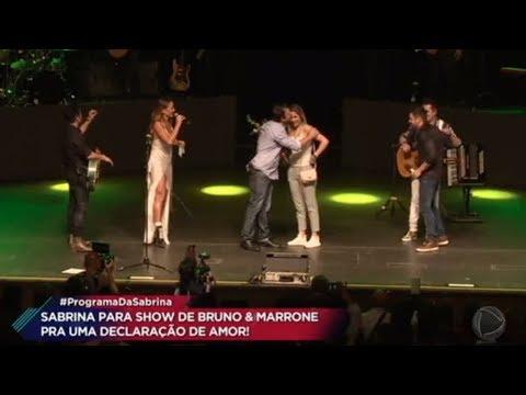 Bruno & Marrone embala homenagem para casal de brasileiros que mora em Portugal