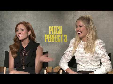 Pitch Perfect 3 Anna Camp & Brittany Snow