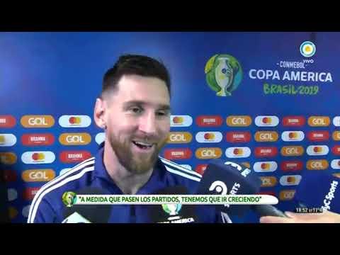 Messi festeja sus 32 años con su familia y un picante regalo de Agüero