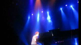 Ben Folds - Effington (opening song)  Live in Jakarta