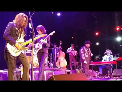 "The Mavericks, ""Rock Me Baby"", with Kenny Vaughn, Tarrytown, 10.30.15"