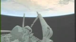 "Ufo  immediately  censured   ""STS-123""  Nasa Live  stream"