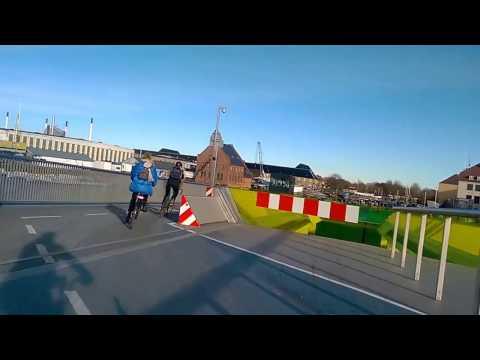 Copenhagen Cycling: Inner Harbour Bridge / Kissing Bridge