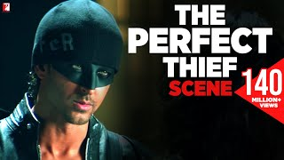 Repeat youtube video Scene: Dhoom:2 | The Perfect Thief | Hrithik Roshan | Abhishek Bachchan | Uday Chopra