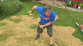 Rasenpflege mit Sand - Topdressing