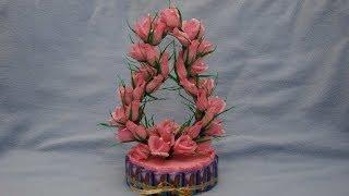 Поделка своими руками на 8 марта. Мастер-класс.(МК как сделать Букет из конфет к 8 марта. В этом видео уроке показано как самому сделать сладкий подарок..., 2014-02-06T19:22:25.000Z)