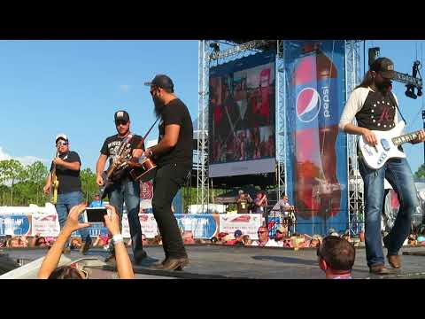 Luke Combs 2017 Gulf Coast Jam - Out There
