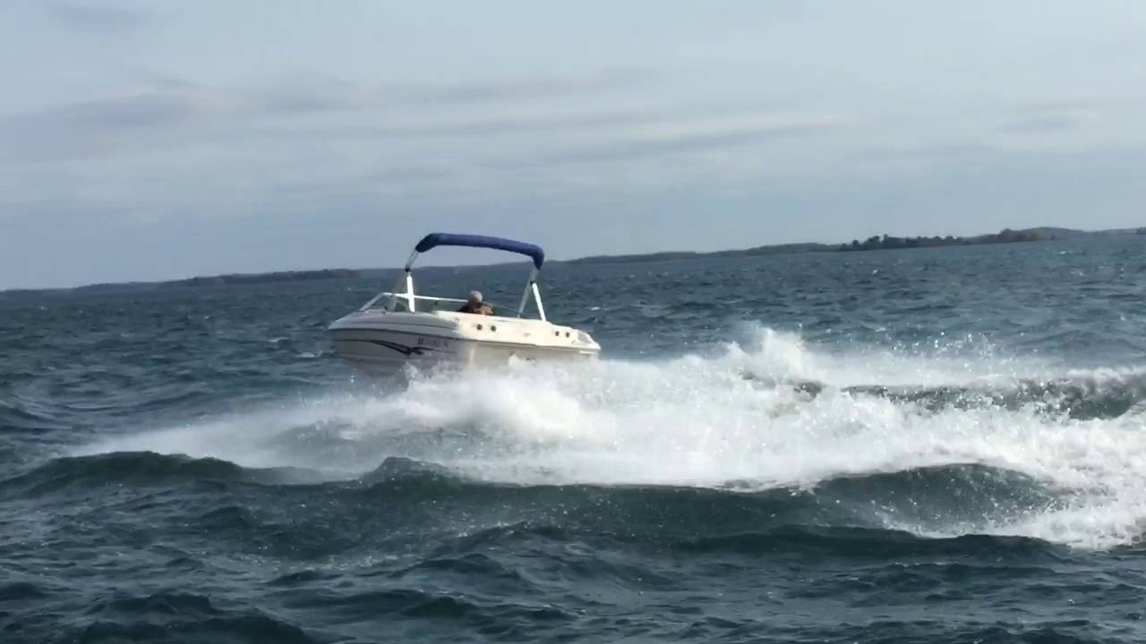 2002 18 larson 180 bowrider youtube larson sport boat wiring diagram on boat lighting  [ 1280 x 720 Pixel ]