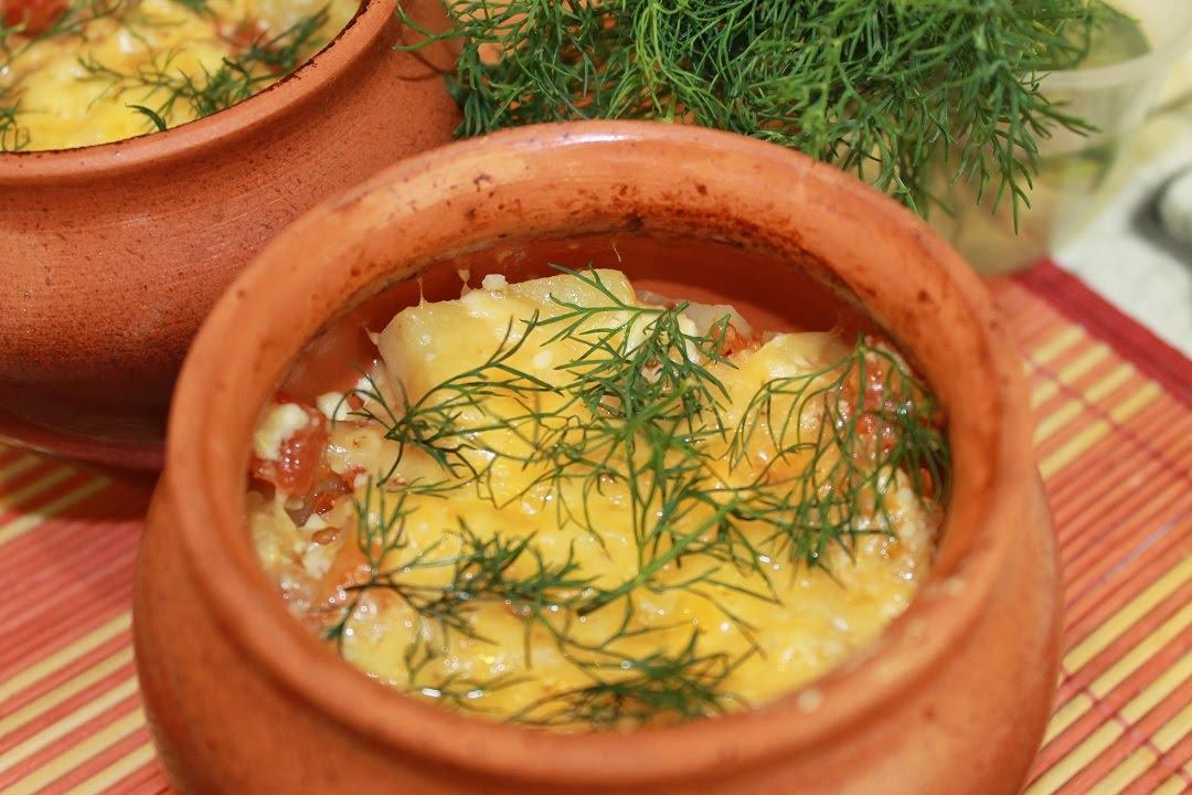 Жаркое из свинины с овощами в горшочках. Очень сочное и ароматное.