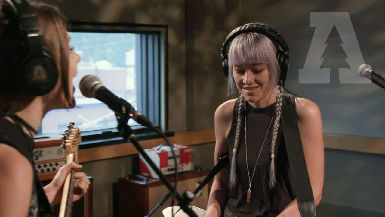 larkin-poe-trouble-in-mind-audiotree-live-1-of-4-audiotree