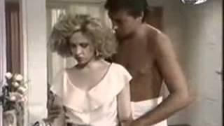 1 Клип шедевр из отрывков сериала «Селеста всегда Селеста» на песню Soraya - Como seria.