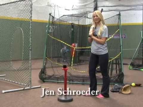 Jen Hitting off theTee