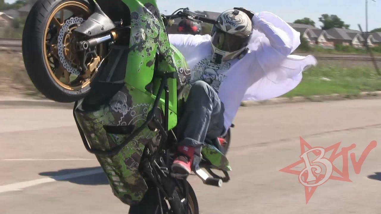 Motorcycle Girl Wallpaper Stunt Bike Riding Long Highway Wheelies Streetfighterz Roc