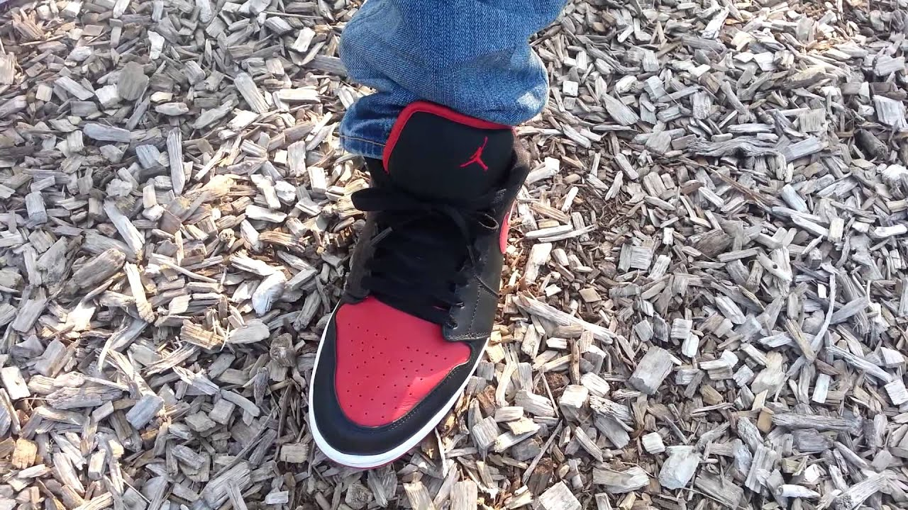 super popular c51f1 99989 Air Jordan 1 Bred Phat Low on feet