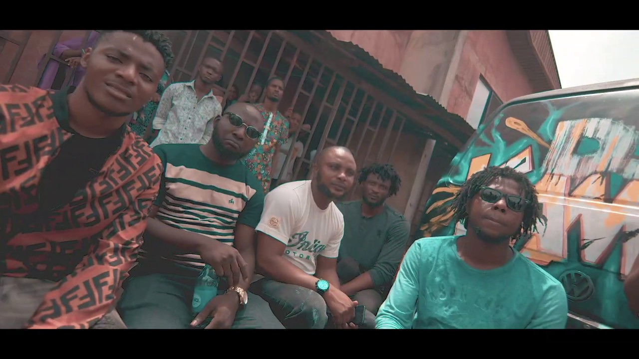Download Poco Lee feat. Papayan -  Poco Dance (Official Video)