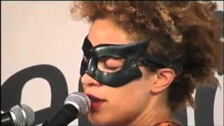 Martina Topley-Bird - Ilya (Caprices Festival 2011)