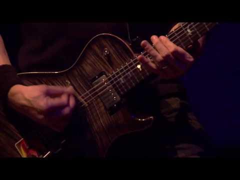 Alter Bridge - White Knuckles - Live in Amsterdam
