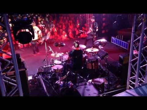 Johnny Rabb jammin w Collective Soul TRBXIV