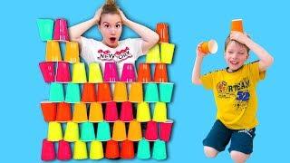 Кто СЛОМАЛ пирамиду из стаканчиков? Kids and Colored Cups