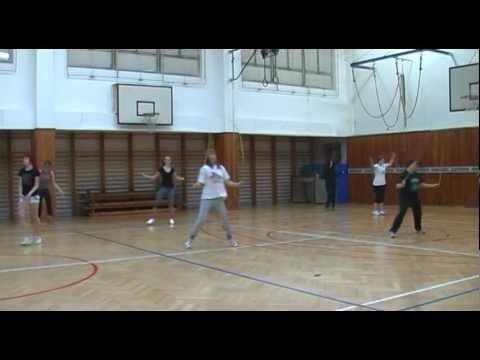 30.10.2012 - hodina tělocviku - potěcha pro oko