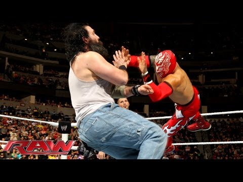 Sin Cara & Los Matadores vs. Bray Wyatt & The Wyatt Family: Raw, Feb. 17, 2014