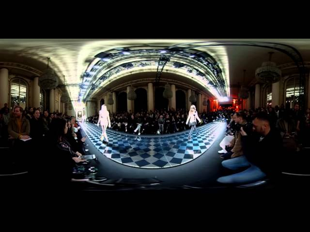 Balmain Fall/Winter 2016 Womenswear Show 360°