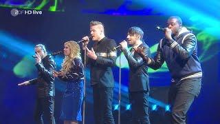 Pentatonix ist in Deutschland und performt für die letzte Sendung (...