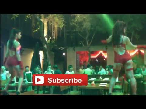 bikini-girls-dance-with-remix-songs-16+