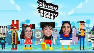 O MICKEY TENTOU ATRAVESSAR A RUA!! - Disney Crossy Road - MICKEY TRIED TO GO THROUGH THE STREET