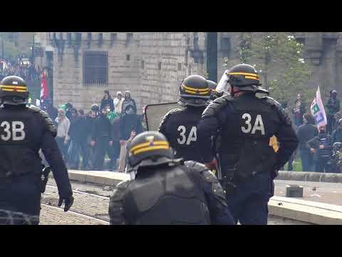 Manifestation pro NDDL : très violents affrontements (15 avril 2018, Nantes, France)