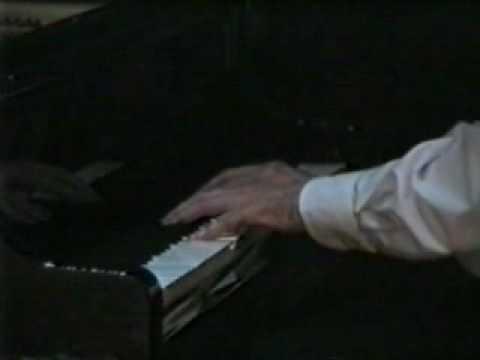 Igor Kamenz plays Liszt, Soirée de vienne No 6