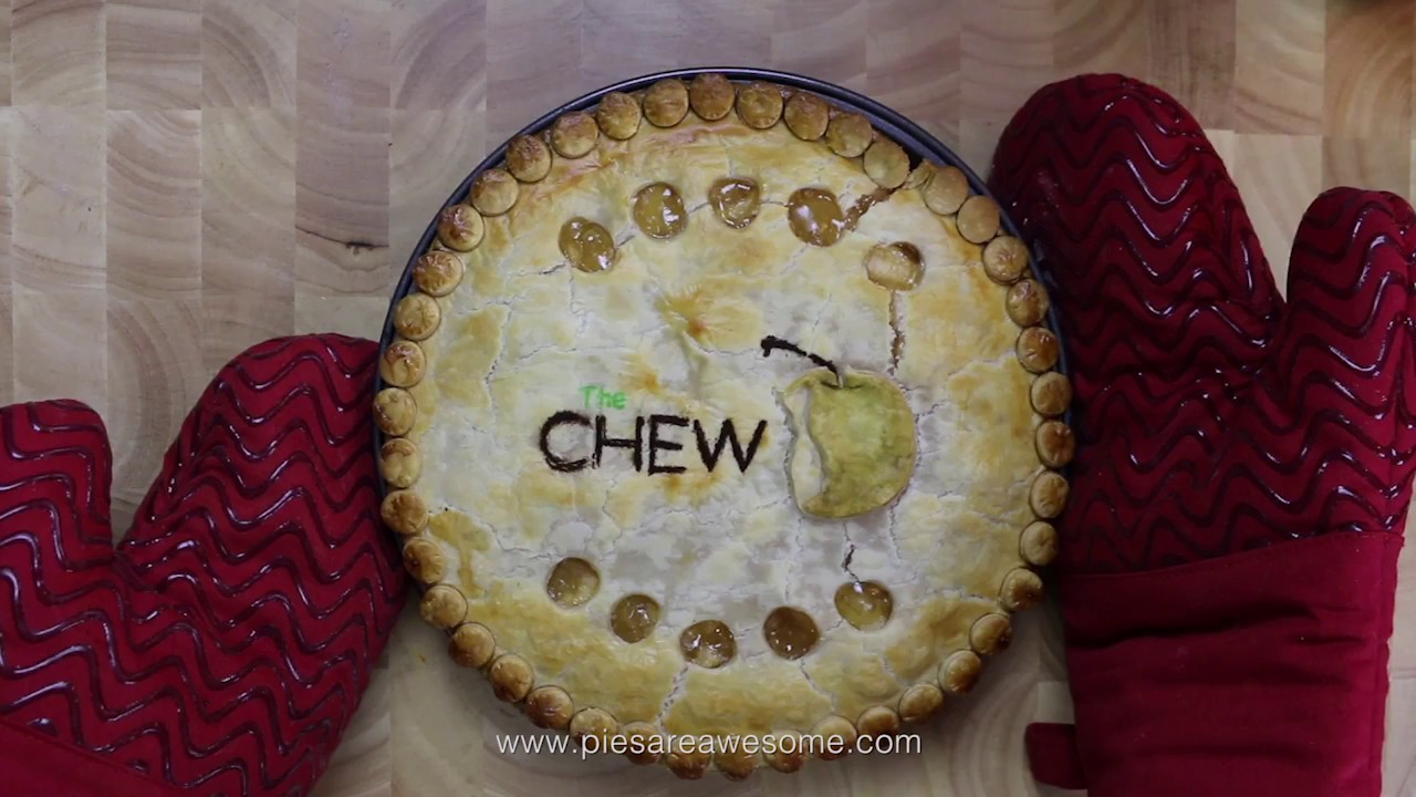 thepieous-takes-a-bite-out-of-the-big-apple-with-this-chew-pie