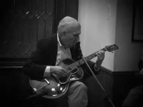 Marty Grosz - live 2012 Mermaid Inn