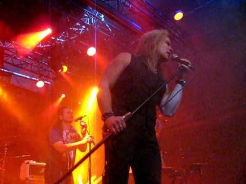 DOM Supergrupo feat. Pekka Heino - Poison