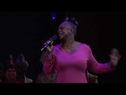 """""""A Whole New World"""" from Disney's Aladdin, with Peabo Bryson and Regina Belle,"""