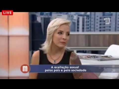 Clara fala sobre aceitação sexual - 27/01/15 às 17h33