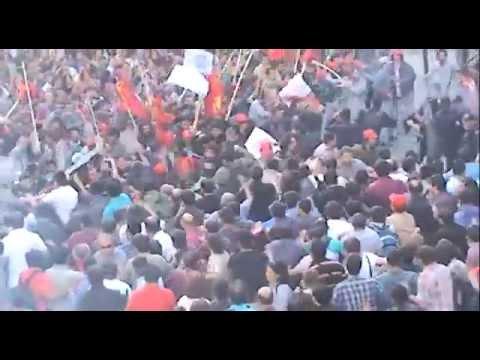 taksim'de polise meydan dayağı