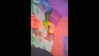 Bayi Terjun bebas 1