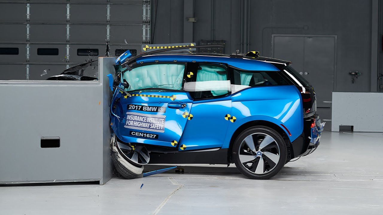 2017 Bmw I3 Driver Side Small Overlap Iihs Crash Test