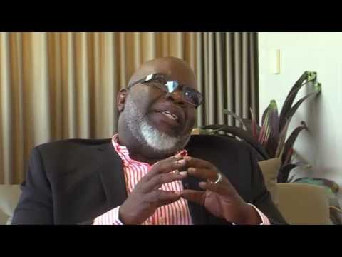Chris' exclusive interview w/T.D. Jakes