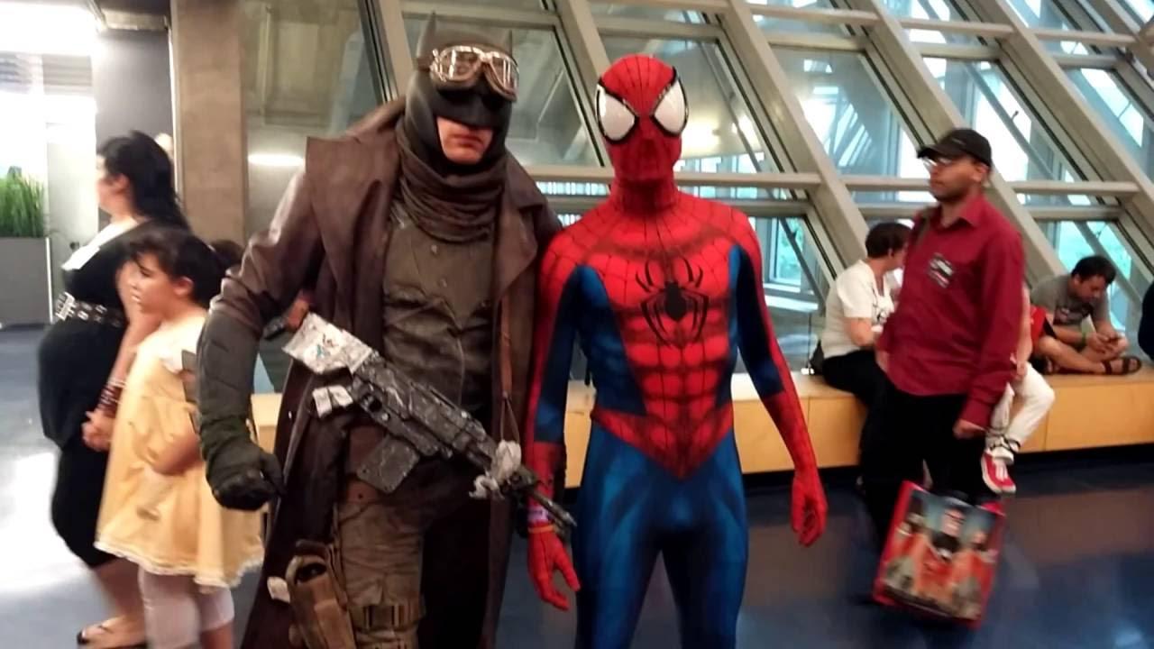 Comic Con Montreal 2016 Cosplay Music Batman Youtube