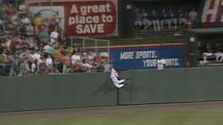 Devereaux robs Carter of a home run